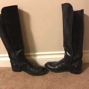 Cute black boots - Size 6 synthetic